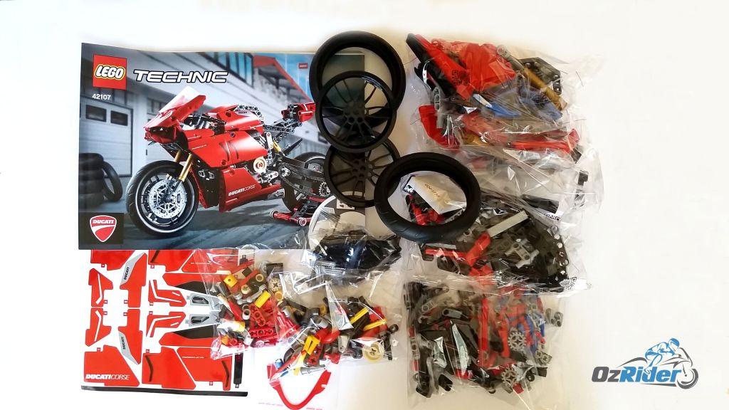 Lego Ducati Panigale V4 R Box Contents